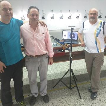 Lubos Opelka, tirador y entrenador internacional ha visitado varias veces la ATGQ y ha brindado su conocimiento a los socios en reiteradas oportunidades